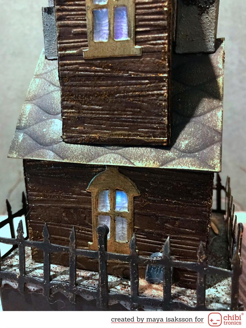 Maya Isaksson Haunted house chibitronics sizzix9